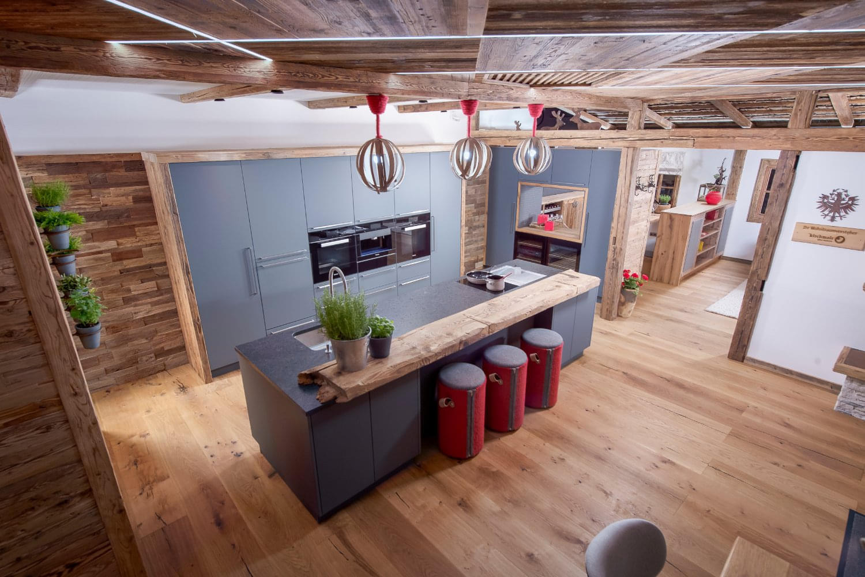showroom haka k chen kirchmair alles wohnen st johann in tirol. Black Bedroom Furniture Sets. Home Design Ideas
